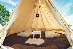 bell-tent-hire-photo-07-large